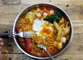 Kreasi Mie Instan yang Kamu Harus Coba di Jakarta
