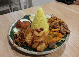 Rekomendasi 5 Nasi Kuning di Jakarta Selatan Paling Enak