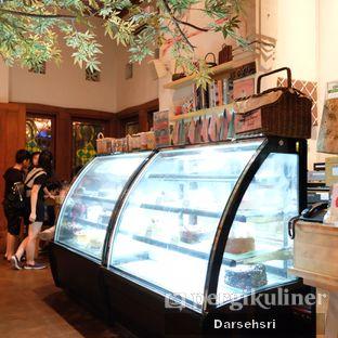 Foto 13 - Interior di Hummingbird Eatery oleh Darsehsri Handayani