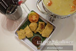Foto 1 - Makanan(Tahu Goreng Isi) di Chop Buntut Cak Yo oleh Monique @mooniquelie @foodinsnap