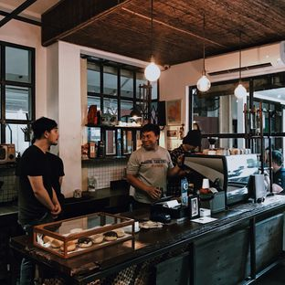 Foto 4 - Interior di But First Coffee oleh Della Ayu
