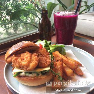 Foto 8 - Makanan(O' Fish Burger) di RUCI's Joint oleh Shella Anastasia