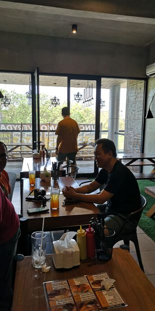 Foto 10 - Interior di Pepperloin oleh om doyanjajan