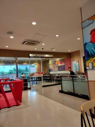 Foto 3 - Interior di KFC oleh Keinanda Alam