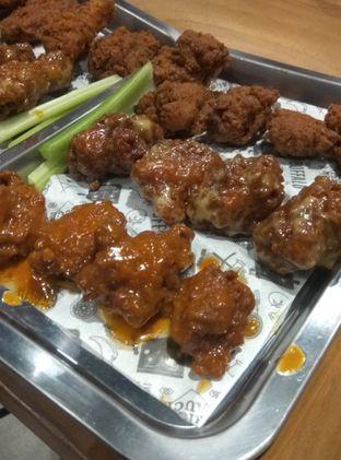 Foto 8 - Makanan(Boneless Buffalo Wings (IDR 70k) ) di The Buffalo oleh Renodaneswara @caesarinodswr