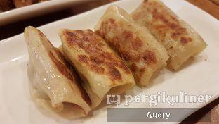 Foto 3 - Makanan(kuo tie isi daging babi dan kucai) di Lamian Palace oleh Audry Arifin @thehungrydentist