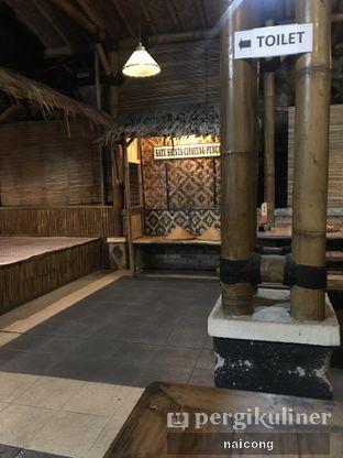 Foto 1 - Interior di Warung Sate Shinta oleh Icong