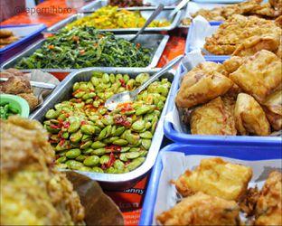 Foto 3 - Interior di Nasi Uduk Bu Sum oleh Rendy Wijaya