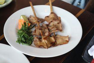 Foto 1 - Makanan(Wagyu Tongue Kushiyaki ) di Enmaru oleh Eunice