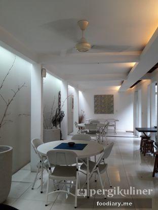 Foto 2 - Interior di Warung Kemuning oleh @foodiary.me | Khey & Farhan