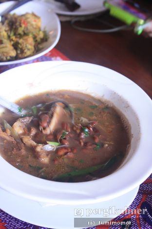 Foto 7 - Makanan(sup brenebon) di Rarampa oleh Ria Tumimomor IG: @riamrt