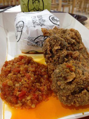 Foto 1 - Makanan(sanitize(image.caption)) di Yang Ayam oleh awakmutukangmakan