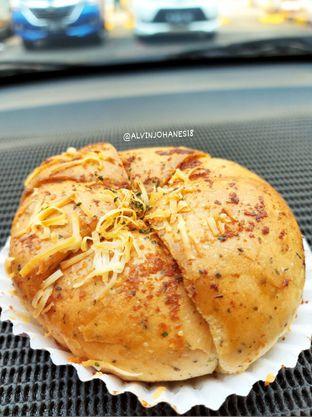 Foto 2 - Makanan di Holland Bakery oleh Alvin Johanes
