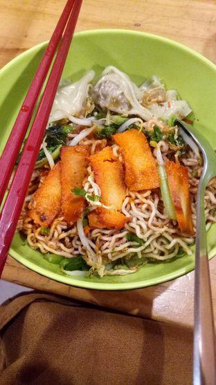 Foto 1 - Makanan di Vegetarian Bakmie Garing H-P (Hot Pedas) oleh Foods _Storyy
