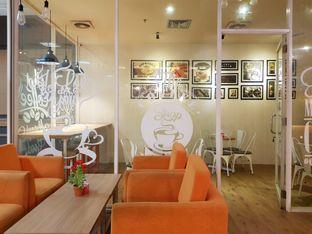 Foto 3 - Interior di Kedai 27 oleh Amrinayu