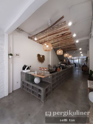 Foto 3 - Interior di Lanell Coffee oleh Selfi Tan