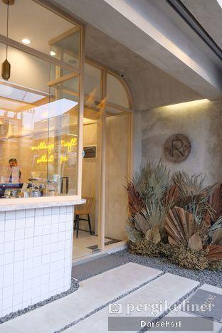 Foto 8 - Interior di Coffeeright oleh Darsehsri Handayani
