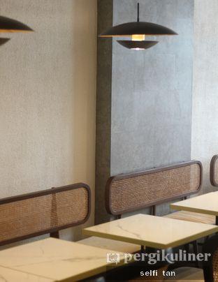 Foto 6 - Interior di Lucky Number Wan oleh Selfi Tan