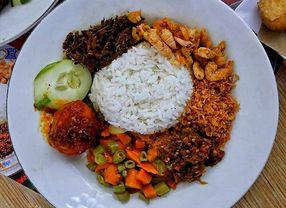 15 Restoran Halal di Dukuh Pakis Surabaya yang Pasti Enak