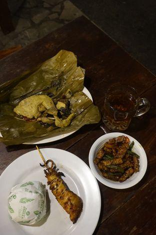 Foto 7 - Makanan di Warung Nasi Ampera oleh yudistira ishak abrar