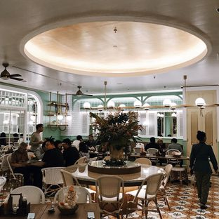 Foto 7 - Interior di Kafe Betawi First oleh Della Ayu