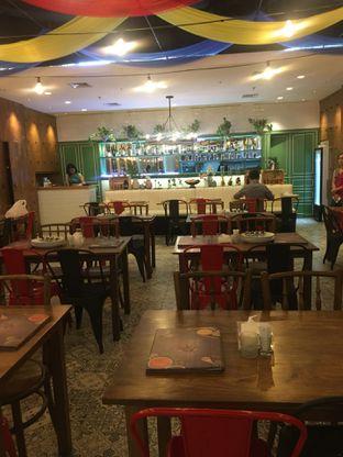 Foto 6 - Interior di Little India Restaurant oleh Jeljel
