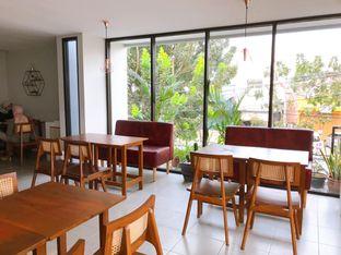 Foto 23 - Interior di Likely Cafe & Resto oleh yudistira ishak abrar