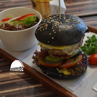 Foto 6 - Makanan di Mokka Coffee Cabana oleh IG: FOODIOZ