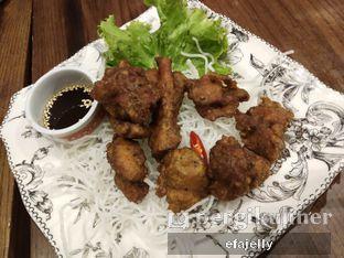 Foto 3 - Makanan(Ayam Goreng Rempah) di Nyonya Peranakan Cuisine oleh efa yuliwati
