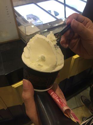 Foto 2 - Makanan di La Ricchi Ice Cream oleh Wawa | IG : @foodwaw