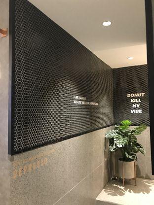Foto 5 - Interior di Phos Coffee & Eatery oleh Stefanus Hendra