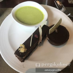 Foto review The Cafe - Hotel Mulia oleh Hungry Mommy 12