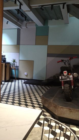 Foto 5 - Interior di New Lareine Coffee oleh Kuliner Keliling