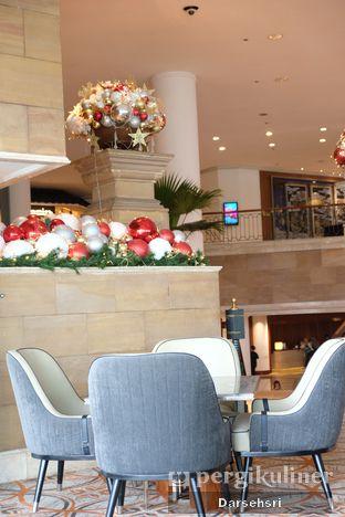 Foto 7 - Interior di Fountain Lounge - Grand Hyatt oleh Darsehsri Handayani