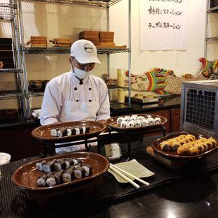 Foto 1 - Menu(Sushi) di Kizahashi Restaurant - Bumi Surabaya City Resort oleh Fensi Safan