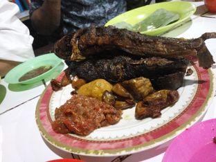Foto 3 - Makanan(Lauk pauk) di Nasi Uduk Kebon Kacang Puas Hati oleh Clara Yunita