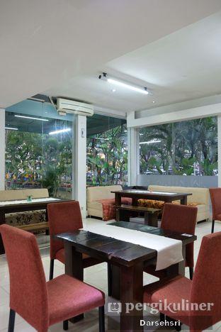 Foto 10 - Interior di Ta-Kol Greenery Resto oleh Darsehsri Handayani