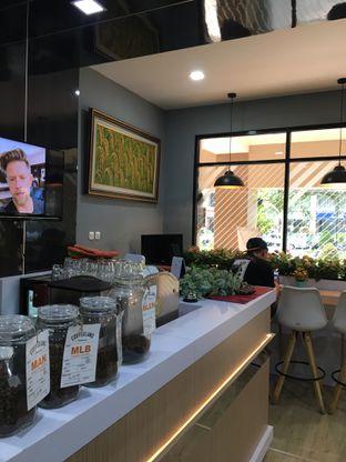 Foto 9 - Interior di Coffee Zen oleh Jeljel