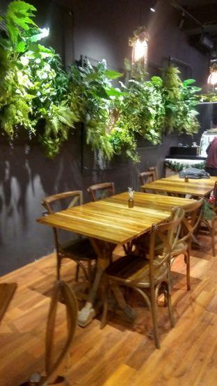 Foto 19 - Interior di Six Ounces Coffee oleh Renodaneswara @caesarinodswr
