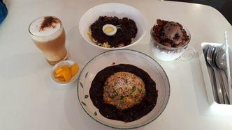 Foto Makanan di Cafe Jalan Korea