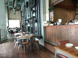 Foto 2 - Interior di The Fctry Bistro & Bar oleh Cantika   IGFOODLER