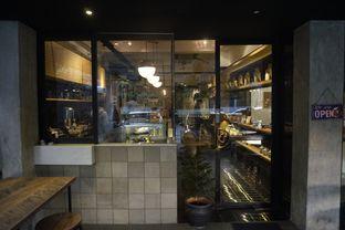 Foto 7 - Interior di Doma Dona Coffee oleh yudistira ishak abrar