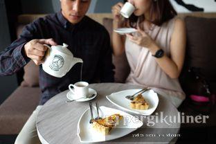 Foto 5 - Interior(Quiche) di Coffeedential Roastery & Dessert oleh Yudith Kindangen