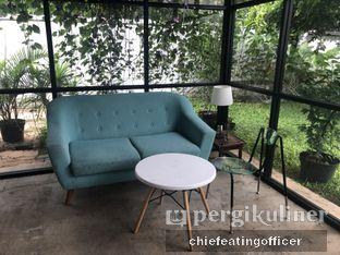 Foto 6 - Interior di Semusim Coffee Garden oleh Cubi