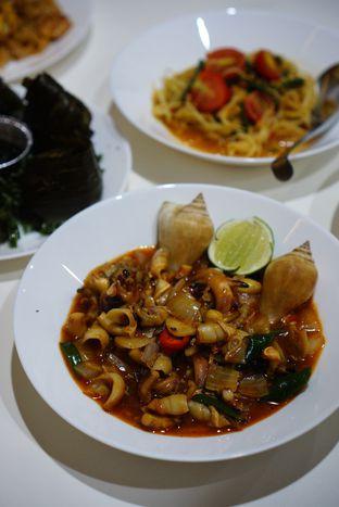 Foto 8 - Makanan(Gonggong Sriracha) di Aroi Phochana oleh Kevin Leonardi @makancengli