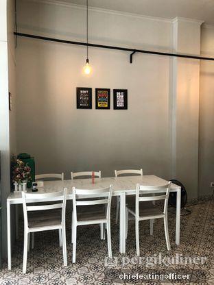Foto 6 - Interior di Cobek Betawi oleh feedthecat