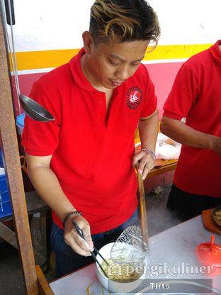 Foto review Mie Ayam Bakar Rondo Bakar oleh Tirta Lie 6