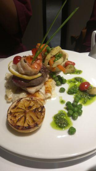 Foto review Cafe Gratify oleh Renodaneswara @caesarinodswr 3