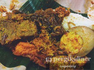 Foto - Makanan(nasi campur empal) di Nasi Campur Bu Ida oleh @supeririy
