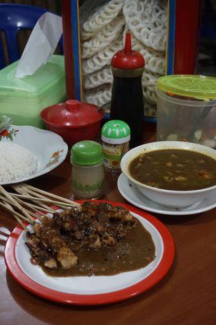 Foto 4 - Makanan di Warung Sate Tongseng Pak Naryo Solo oleh yudistira ishak abrar